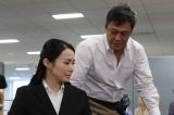 日曜THEリアル!『陛下と雅子さま 知られざる笑顔の物語』に出演する(左から)美村里江、デビット伊東 (C)フジテレビ