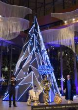 『STAR WARS Marunouchi Bright Christmas 2019 -Precious for you-』クリスマス点灯式の様子 (C)ORICON NewS inc.