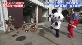 消防隊員の日頃の訓練を体験(C)2011 tv asahi・SANRIO