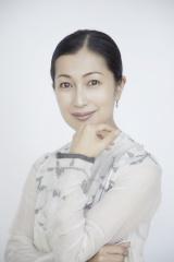 天皇陛下の御即位をお祝いするメッセージを寄せた鶴田まゆ