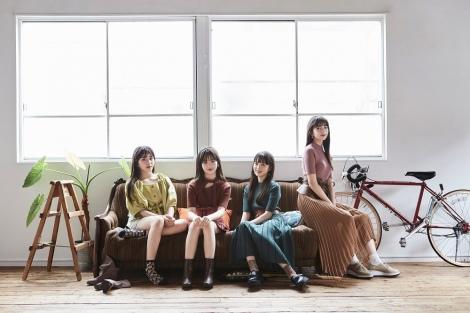 15歳美少女4人組ユニット「@onefive」新ビジュアル(左から)KANO、 MOMO、SOYO、GUMI