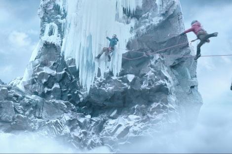日中合作映画『オーバー・エベレスト 陰謀の氷壁』の場面カット