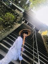 『#BiSHお遍路』で愛媛県内の霊場巡りをしたアイナ・ジ・エンド