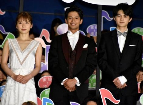 映画『蜜蜂と遠雷』の初日舞台あいさつに登壇した(左から)松岡茉優、森崎ウィン、鈴鹿央士 (C)ORICON NewS inc.