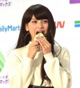 ファミリーマートの『スーパー大麦「美味しく腸活!」イベント』にゲストとして参加したゆきぽよ (C)ORICON NewS inc.