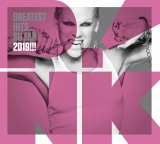 「ソー・ホワット」が収録されたP!NKのアルバム『グレイテスト・ヒッツ… ソー・ファー 2019!!!』
