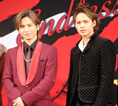 ミュージカル『Endless SHOCK』上演20周年記念公演製作発表に登場した(左から)堂本光一、上田竜也 (C)ORICON NewS inc.