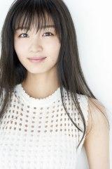 来年1月9日放送の木曜劇場『アライブ がん専門医のカルテ』に出演する岡崎紗絵