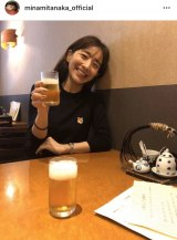 「珍しく昼間からビールで乾杯」なワンシーン(写真はインスタグラムより)