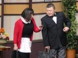 『吉本新喜劇ワールドツアー〜60周年 それがどうした!〜』マレーシア公演に出演した(左から)すっちー、川畑泰史