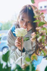 桜井玲香写真集『視線』誌面カット(撮影/三瓶康友)