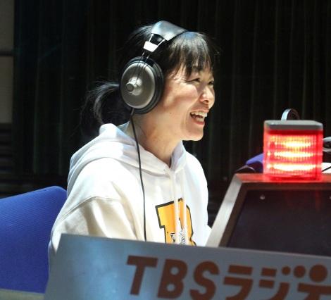 イモトアヤコ、ラジオで幸せいっぱいの結婚報告 新婚旅行の予定