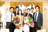 金曜8時のドラマ『特命刑事 カクホの女2』クランクアップ(C)テレビ東京