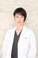『トップナイフ —天才脳外科医の条件—』天海祐希のビジュアルカット(C)日本テレビ