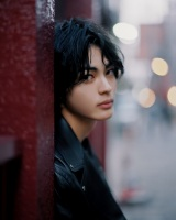 ファースト写真集『Continue(仮)』の発売が決定した神尾楓珠