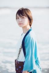 太田夢莉1stフォトエッセイ『青』の掲載カット 撮影/前康輔