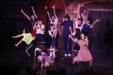 寸劇を交えたライブで沸かせたBEYOOOOONDS(12月2日/東京・Zepp DiverCity)