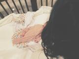 長女とともに次女を起こしに行く水嶋ヒロ(写真は水嶋ヒロ公式ブログより)
