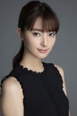宮本茉由、三浦友和の美人秘書役