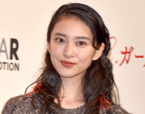武井咲の写真に「ちゃんと指輪してる」と反響   ORICON NEWS