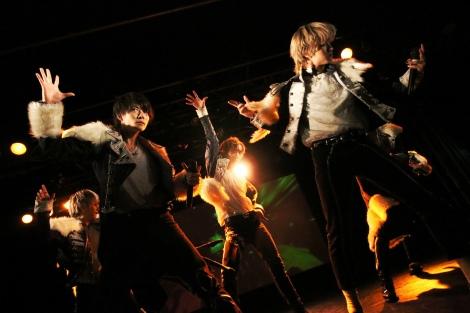 デビューアルバム『METEOR』(3日発売)のリリースイベントを開催したBLACK IRIS