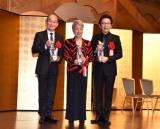 『令和元年度 ゆうもあ大賞』の表彰式に出席した(左から)笹野高史、草笛光子、古舘伊知郎 (C)ORICON NewS inc.