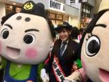 ポリスまろん・ポリスみやこと一緒に「年末の安心安全パレード」に参加(C)テレビ朝日