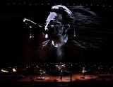 さいたまスーパーアリーナで13年ぶりの日本公演を行ったU2 Photo by ROSS STEWART