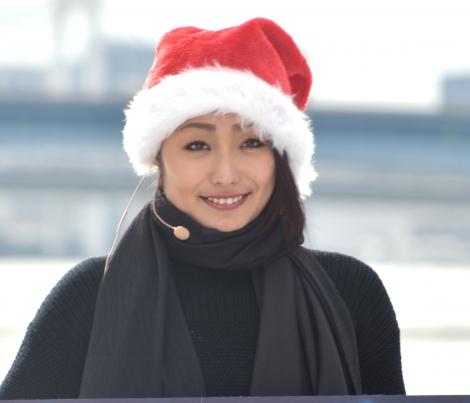 競技の楽しさを伝えていた安藤美姫=『Sea Side アイススケートリンク』のオープニングイベント (C)ORICON NewS inc.