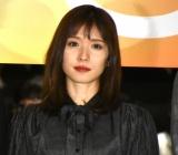 映画『ひとよ』の公開記念舞台あいさつに登壇した松岡茉優 (C)ORICON NewS inc.