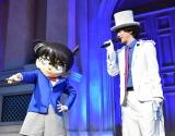 アルバム『BREAKERZ×名探偵コナン COLLABORATION BEST』発売記念イベントに出席した(左から)コナン君、DAIGO (C)ORICON NewS inc.