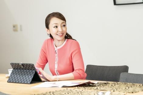 来年1月15日スタート 神田うのが出演するドラマ『DASADA』の場面カット(C)「DASADA」製作委員会