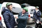 鳥羽水族館で草なぎと稲垣が合流&バトンタッチ(C)テレビ東京