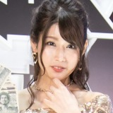 『龍が如く7』ステージに妖艶なドレス姿で登場した、人気レースクイーンの沢すみれ(C)oricon ME inc.