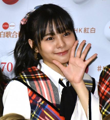『第70回NHK紅白歌合戦』の囲み取材に参加した本間日陽 (C)ORICON NewS inc.