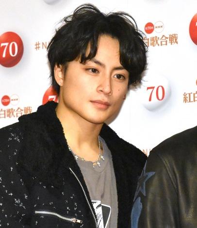 『第70回NHK紅白歌合戦』の囲み取材に参加した白濱亜嵐 (C)ORICON NewS inc.