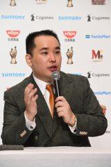 『M-1グランプリ2019』で優勝し、15代目王者となったミルクボーイ・内海崇(C)M-1グランプリ事務局