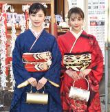 成人祈願を行った(左から)加藤小夏、安田愛里 (C)ORICON NewS inc.