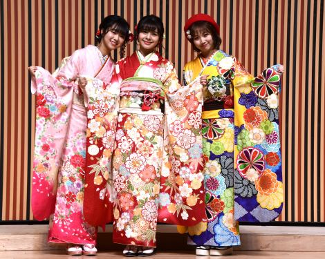 NGT48新成人(左から)真下華穂、本間日陽、山田野絵=AKB48グループ 2020年新成人メンバー 成人式記念撮影会 (C)ORICON NewS inc.