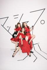 3月にライブイベントで競演(左から)渡辺美優紀、板野友美、鈴木愛理