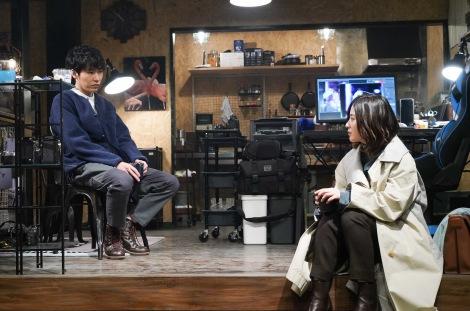 水曜ドラマ『知らなくていいコト』に出演する柄本佑、吉高由里子(C)日本テレビ