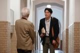 医学部に進学した和隆は、精神科医の永野良夫(近藤正臣)教授に出会う=土曜ドラマ『心の傷を癒すということ』(1月18日スタート)(C)NHK