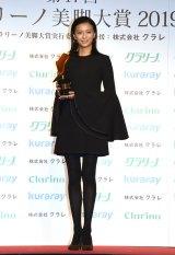 『第17回 クラリーノ美脚大賞2019』表彰式に出席した榮倉奈々 (C)ORICON NewS inc.