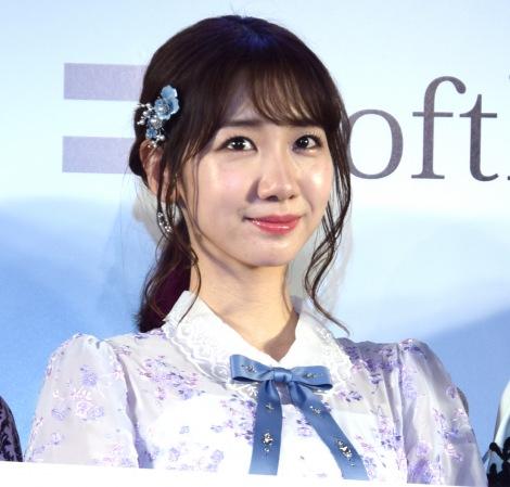 VRライブ配信を体験して興奮していた柏木由紀=『AKB48グループのVRライブ配信開始に関する記者発表会』 (C)ORICON NewS inc.
