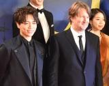 映画『キャッツ』のジャパンプレミアに出席した(前列左から)山崎育三郎、トム・フーパー監督 (C)ORICON NewS inc.