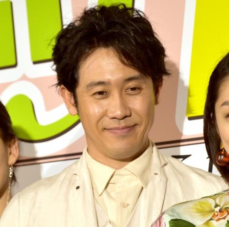 映画『グッドバイ〜嘘からはじまる人生喜劇〜』完成披露試写会に出席した大泉洋
