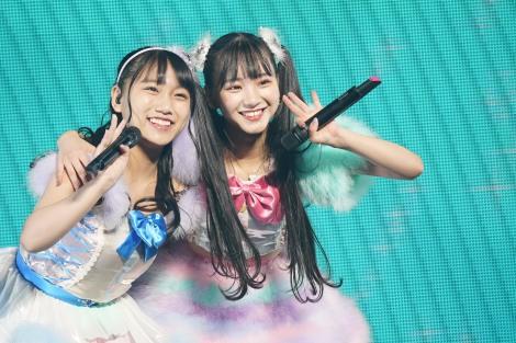 4月にSKE48を卒業する同期の片岡成美(左)がシークレットゲストとして登場(C)AKS