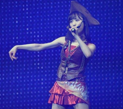 前田敦子の衣装を着て「ぬくもりやパワー」をいただいたと小栗有以=『AKB48小栗有以ソロコンサート〜YUIYUI TOKYO〜』の模様 (C)ORICON NewS inc.