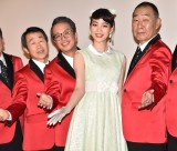 映画『星屑の町』完成披露舞台あいさつに出席した(左から)有薗芳記、小宮孝泰、のん、でんでん (C)ORICON NewS inc.