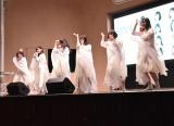 マイクを置いて3倍速のダンスに挑戦したメンバーたち=4thシングル「無謀な夢は覚めることがない」発売記念イベント (C)ORICON NewS inc.